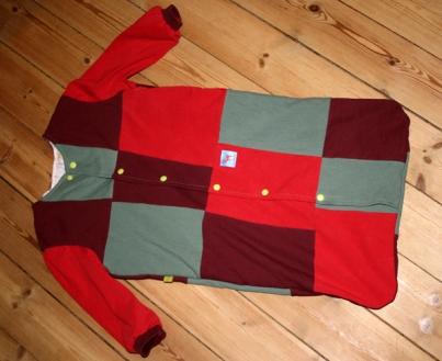 Aus kleineren Stoffresten kann immer noch ein Quilt werden, der dann für Decken oder eben für einen Babyschlafsack verwendet werden kann.